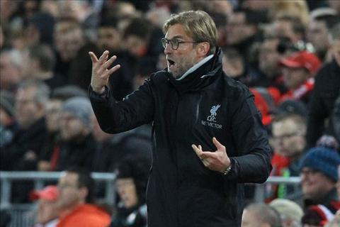 Klopp doi 2 qua penalty cho Liverpool sau tran hoa West Ham hinh anh