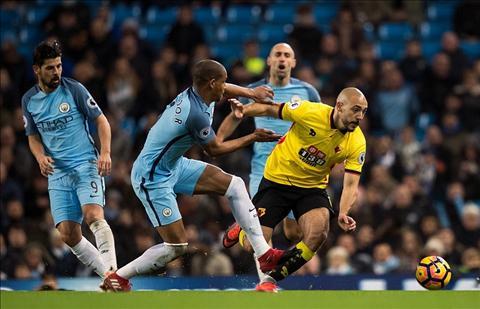 Man City 2-0 Watford Khi Pep hoc cach thich nghi voi Premier League hinh anh 2