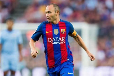 Tien ve Iniesta dinh chan thuong o tran thang Sociedad hinh anh 2