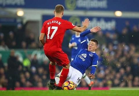 Newcastle không thuyết phục được Liverpool bán Ragnar Klavan hình ảnh