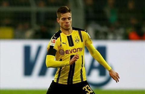 Sao tre Dortmund chinh thuc bao tin buon cho Real va MU hinh anh