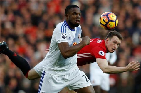 MU 3-1 Sunderland Khi chien thang khong chi toi tu mieng cua Mourinho hinh anh