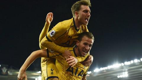 Southampton 1-4 Tottenham Kane sut hong 11m, Spurs van thang nguoc an tuong hinh anh