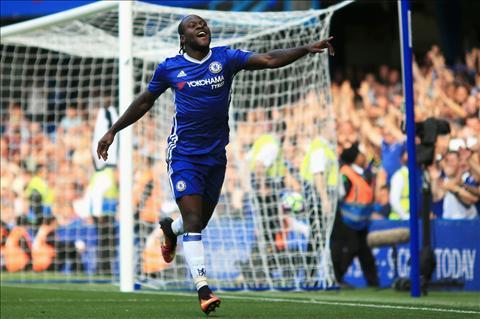 Truoc tran Chelsea vs Stoke Ngay Moses gap lai cac su phu hinh anh