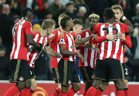 Tong hop Sunderland 2-1 Leicester (Vong 14 NHA 201617) hinh anh