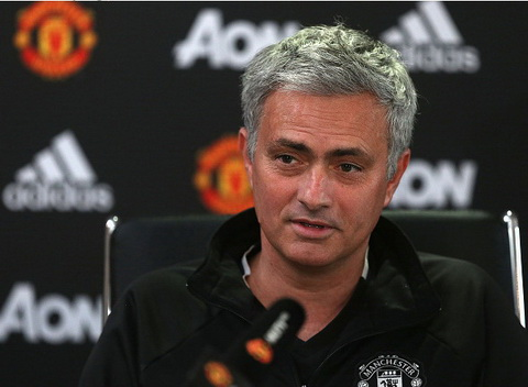 Mourinho tiet lo ve luc luong M.U truoc tran gap Everton.