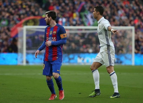 Ronaldo va Messi muon ai gianh giai The Best cua FIFA hinh anh