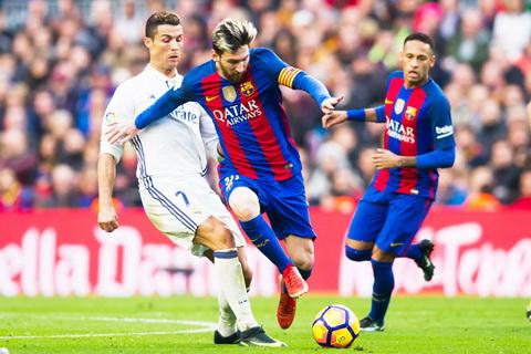 Fabio Capello cho rang Cris Ronaldo khong phai thien tai nhu Messi.