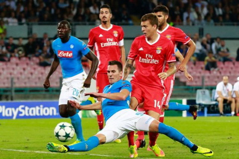 Nhan dinh Benfica vs Napoli 02h45 ngay 712 (Bang B Champions League 201617) hinh anh