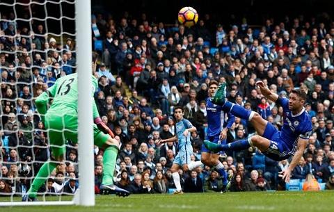 Man City da tim ra diem yeu trong so do 3-4-3 cua Chelsea hinh anh