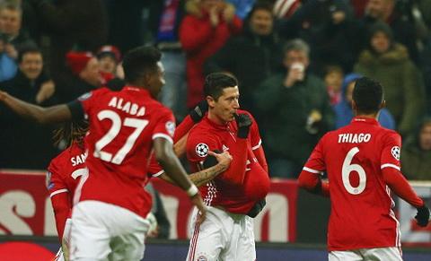 Bayern 1-0 Atletico Thay tro Ancelotti lap ky luc hinh anh