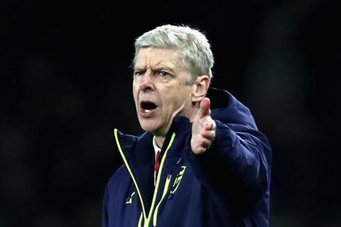 Wenger len san tinh than vuot kho o vong 18 Champions League hinh anh