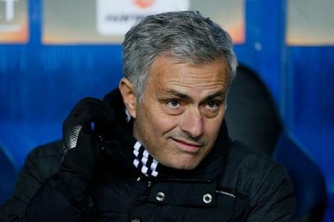 Mourinho Khong doi bong nao manh hon Man Utd hinh anh