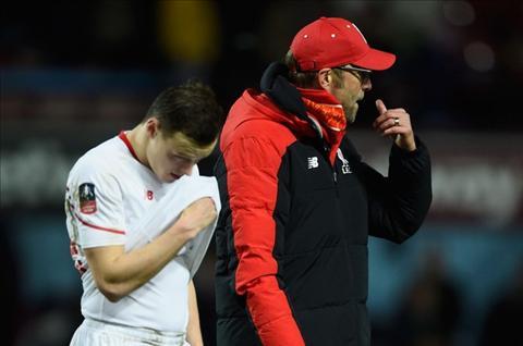Klopp tu cua vao noi dau cua Liverpool va chinh minh?