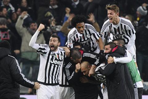 Juventus 1-0 Napoli: Tro lai vi tri quen thuoc