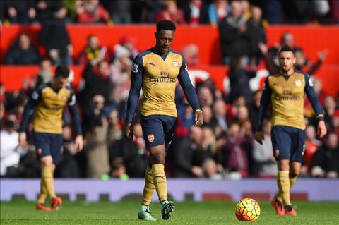 Arsenal vo dich Premier League 201516 dang rat kho khan hinh anh 2