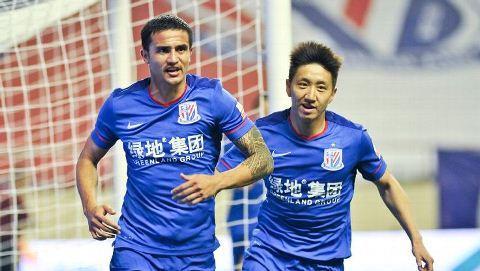 Cuu sao Premier League khong thich cach chi tieu bat mang cua cac doi Trung Quoc