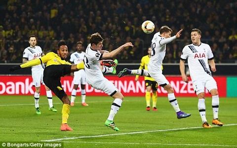 Tottenham 1-2 (1-5) Dortmund Lam thit Ga trong, Vang Den hien ngang vao tu ket hinh anh 3