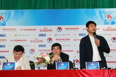 HLV Nguyen Huu Thang muon huong DTVN choi nhu Bayern Munich