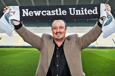 HLV Rafa Benitez len tieng ve tuong lai hinh anh