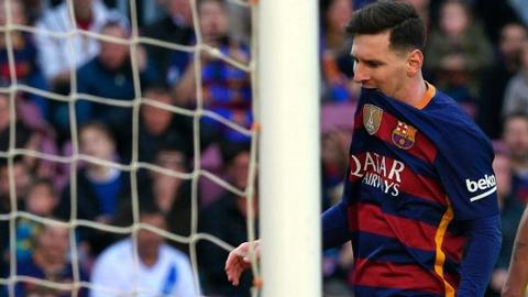 Lai hong PEN, Messi lap hang loat ky luc buon hinh anh