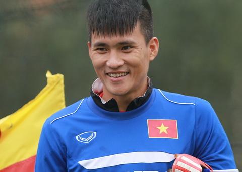 Chieu 17/3, Cong Vinh va Au Van Hoan da co mat hoi quan cung DTVN. Mot so cau thu nhu Tan Truong, Xuan Thanh... ban chuyen rieng nen se hoi quan muon.