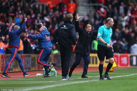 Liverpool dut mach thang hoa sau tran thua kho tin tren san cua Southampton hinh anh 4