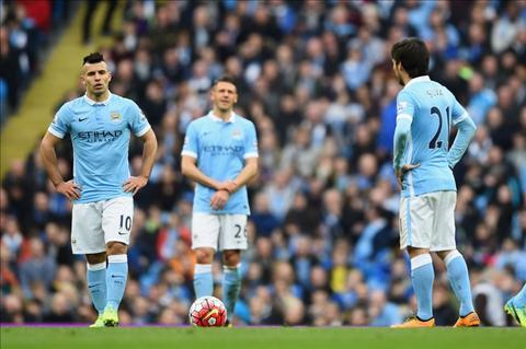 Man City khong du Champions League, HLV Pep Guardiola van toi Etihad hinh anh