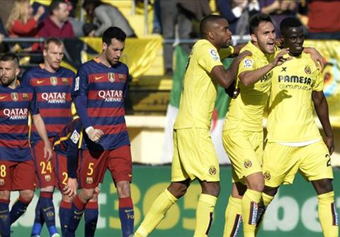 Barca mat diem lan dau tien ke tu tran hoa Valencia voi ty so 1-1 hom 10/2 (ban ket luot ve Cup Nha vua). Anh: Reuters