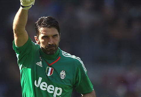 Buffon buoc vao ngoi den cua nhung huyen thoai Serie A voi ky luc vo tien khoang hau. Anh: Reuters.