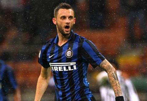Arsenal tro lai ve van sao Inter Milan hinh anh