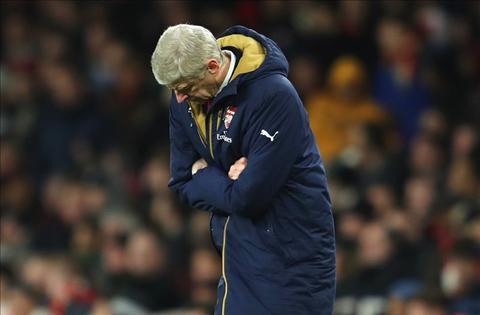 HLV Arsene Wenger Duoi anh hao quang The Invincibles hinh anh