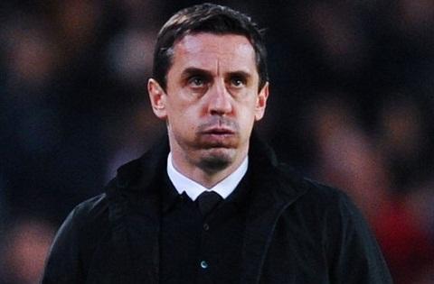 Neville Tottenham khong xung tam voi HLV Mauricio Pochettino hinh anh 2