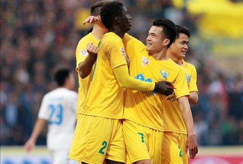 FLC Thanh Hoa vs Than Quang Ninh (17h ngay 49) Co den tay thi phat! hinh anh 2