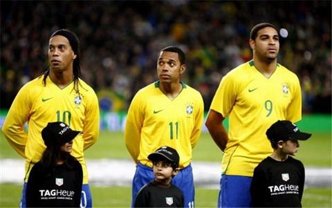 Adriano (so 9) tung la niem hy vong lon cua CDV Brazil