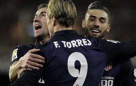 Torres toa sang trong ngay can moc choi 300 tran cho Atletico hinh anh