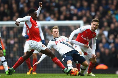 Welbeck Tottenham vs Arsenal