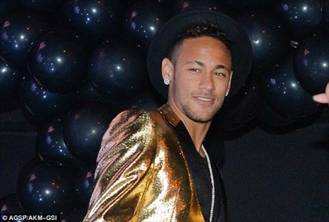 Neymar banh bao du tiec sinh nhat em gai theo chu de Walt Disney hinh anh 2