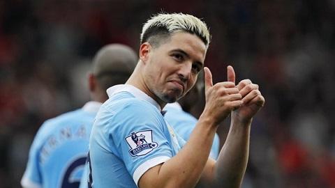 Man City ha West Brom Su tro lai cua Samir Nasri hinh anh