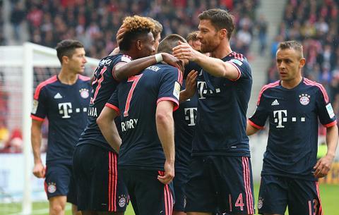 Stuttgart 1-3 Bayern Munich Tien gan den ngai Vang hinh anh
