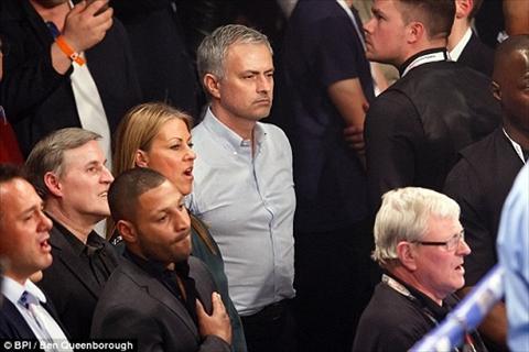 HLV Mourinho di xem dam boc giai khuay hinh anh 2