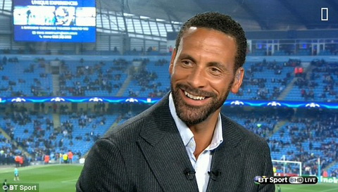 Trung ve Rio Ferdinand tung duoc Arsenal lien he hinh anh 2