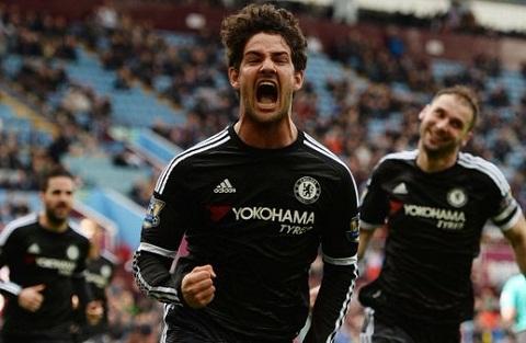 Pato an mung ban thang dau tien cho Chelsea