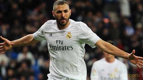 Real nhan tin cuc vui tu tien dao Karim Benzema hinh anh 2