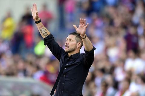 HLV Diego Simeone co the bi treo gio 6 thang vi lach luat hinh anh