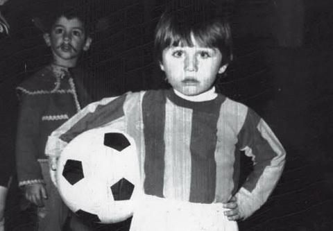 HLV Antonio Conte cua Juventus  va cau chuyen ve ngai ba tuoc hinh anh