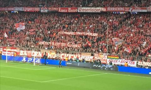 Bayern thang tran, CDV giang bieu ngu phan doi hinh anh