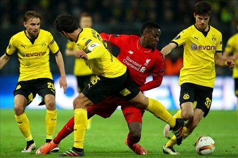 Trung ve Mats Hummels Dortmund da khong gap may man hinh anh