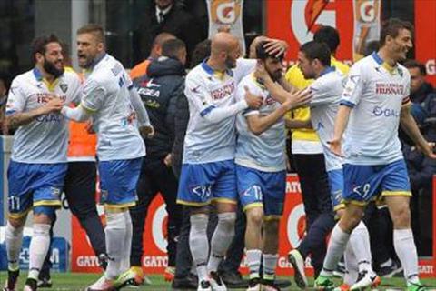 Video clip ban thang AC Milan 3-3 Frosinone (Vong 36 Serie A 201516) hinh anh