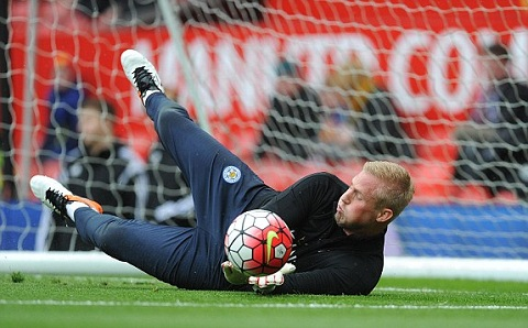 Schmeichel chinh thuc gia han hop dong voi Leicester hinh anh